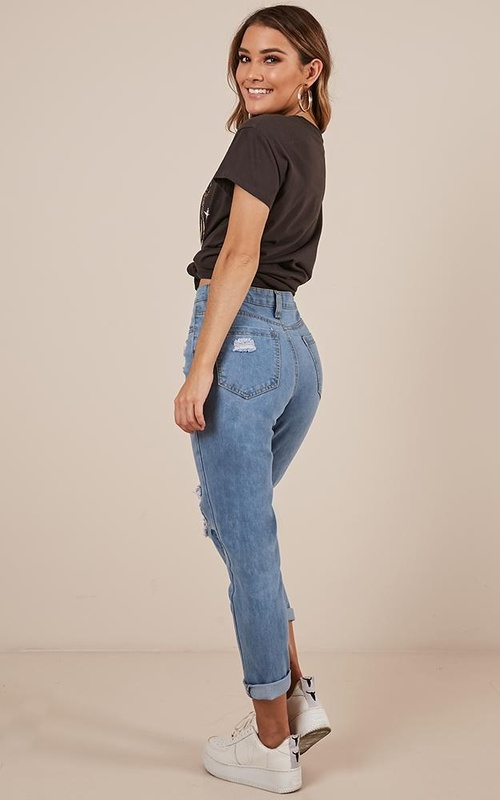 Georgia Mum Jeans in Mid Wash Denim