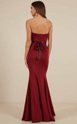 Lasting Moment Maxi Dress In Wine