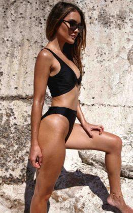 Ivy Bikini Top In Black