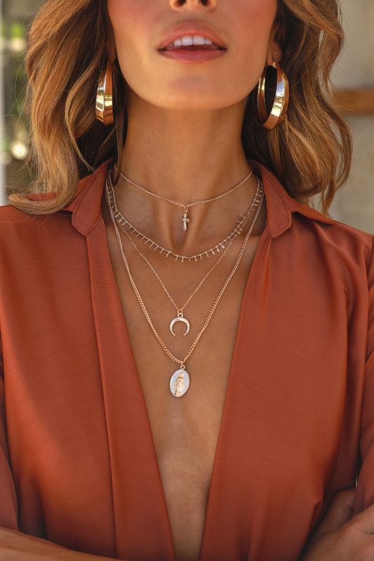 Alarm Call Necklace in Gold