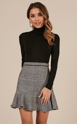 Want To Be Me Skirt In Black Houndstooth