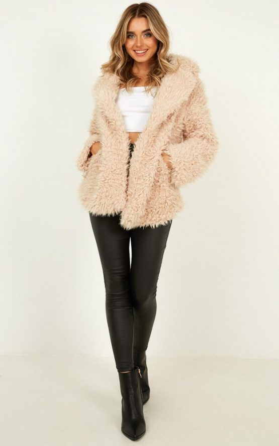 Suspicions Coat In Beige Teddy